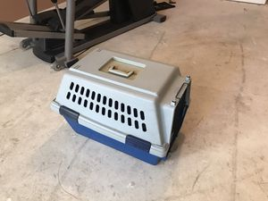 Medium Dog Crate for Sale in Adamstown, MD