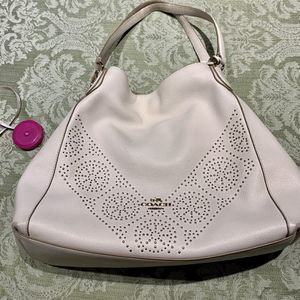 Authentic Coach Leather Hobo Bag Like New for Sale in Bellevue, WA