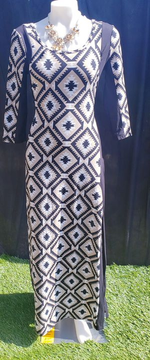 Size Medium bodycon dress. Will fit a large for Sale in Durham, NC