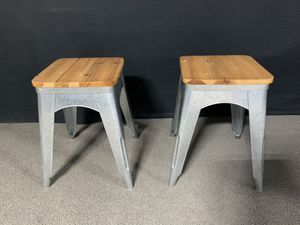 End tables/small stools for Sale in San Diego, CA