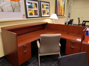 LIGHT CHERRY OFFICE PACKAGE for Sale in Dallas, TX