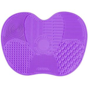 BRAND NEW Makeup brush cleaner pad for Sale in Saugus, MA