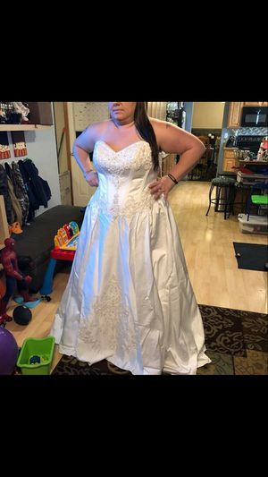 Plus Size Wedding Dress- Cash ONLY for Sale in Puyallup, WA