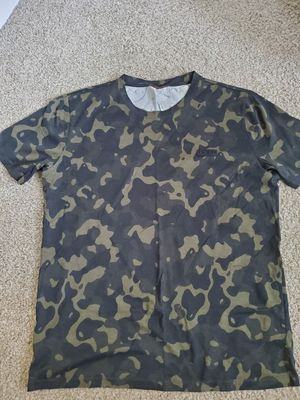 Hugo Boss Camo Mens Medium/Large Shirt for Sale in Sunnyvale, CA