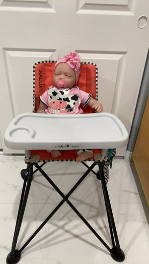 Summer Pop N Dine SE Portable High Chair (Mango Melon) for Sale in Las Vegas, NV