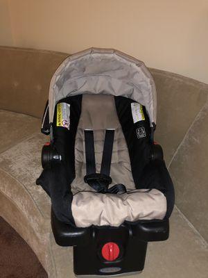 Graco® SnugRide Click Connect 35 Infant Car Seat for Sale in Detroit, MI