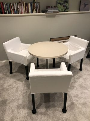 Breakfast/cafe table Corian solid top for Sale in Arlington Heights, IL