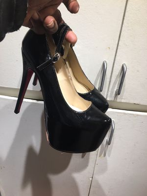 """Auth. Christian Louboutin """"Daffodile"""" Black Leather Sz 38 Platform Heels 16 cm Pumps for Sale in Los Angeles, CA"""