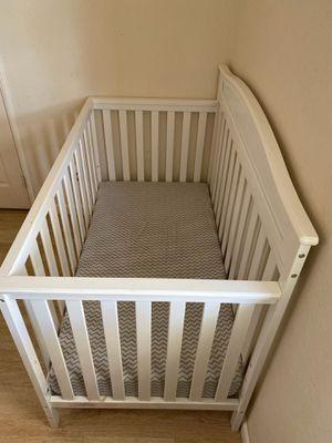 White Baby Crib with mattress for Sale in Bonita, CA