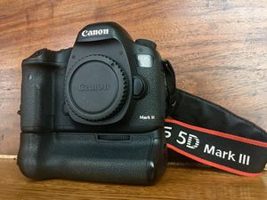 Canon 5D Mark III with Battery Grip, excellent! for Sale in Clinton, WA