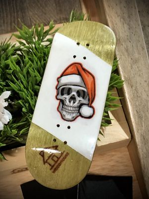 """WoodHouse Fingerboards complete """"skull cap Christmas"""" complete for Sale in Laguna Hills, CA"""