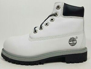Timberland 6-Inch Classic Casual Toddlers Boots 14812 Size 5.5 US, 6 US for Sale in Aurora, IL