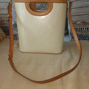 Louis VUITTON Vernis Matching Purse And Wallet AUTHENTIC!!! for Sale in Oceanside, CA