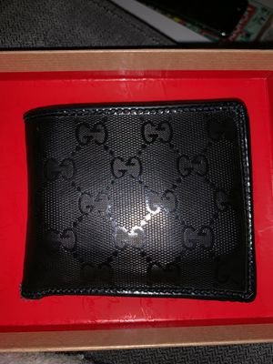Gucci wallet for Sale in Arlington, VA
