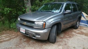 2005 CHEVY TRAIL BLAZER GREY for Sale in Revere, MA
