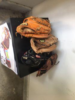 Baseball Gloves Right Handed for Sale in Rockville,  MD