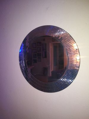 Round wall mirror for Sale in Houston, TX