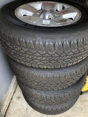 6x5.5 245/70/17s 4Runner wheels and tires for Sale in Selma, CA