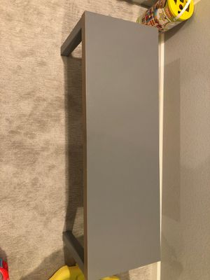 Gray table for Sale in Manteca, CA
