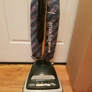 NEW cond EURIKA COMMERCIAL VACUUM WITH AMAZING POWER SUCTION, WORKS EXCELLENT for Sale in Auburn, WA