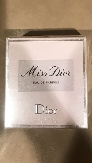 Miss Dior 1.7 perfume/brand new for Sale in LAKE CLARKE, FL