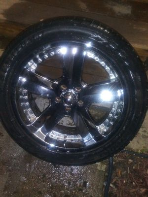 "20"" 5 lug 5x120 (very nice) for Sale in Pataskala, OH"