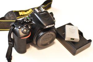 Nikon D5600 DSLR Camera 5600 for Sale in Miami, FL