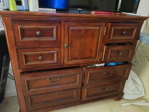 Dresser for Sale in Homestead, FL