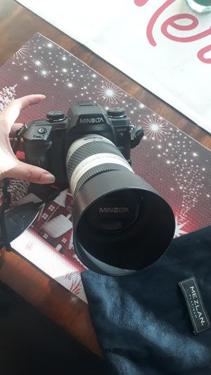 Camera with Lens and Bag (non digital) Maxxum 7 for Sale in Menifee, CA