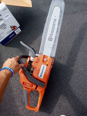 "Husqvarna 435e chainsaw 16"" bar for Sale in Columbus, OH"