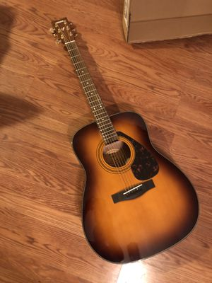 Yamaha f335 acoustic guitar New in box for Sale in Zephyrhills, FL