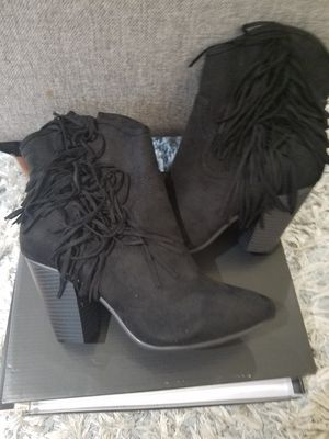 New boots 8M for Sale in Arlington Heights, IL