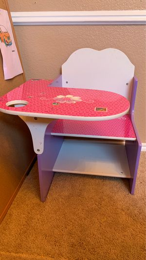 Kids desk - frozen desk - girls desk - Elsa desk for Sale in Carrollton, TX