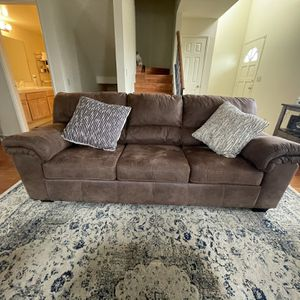 Brown Sofa for Sale in Downey, CA