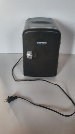 CHEFMAN 4L Pprtable Mini Fridge With Warming Function for Sale in Las Vegas,  NV