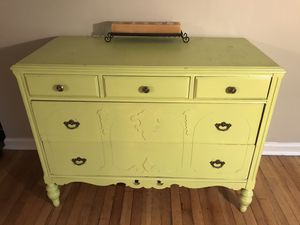 Antique 5 drawer dresser for Sale in Portland, OR