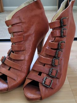 leather bootie heels for Sale in Bothell,  WA