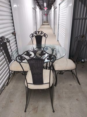 Antique table & chairs for Sale in Greenville, SC