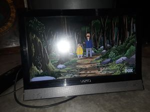 Vizio TV with remote, wall mount, and Samsung dvd player. for Sale in Peoria, AZ
