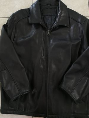 DOCKERS LEATHER JACKET for Sale in Brownsville, TX