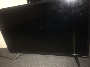 32 inch VIZIO smart tv; best offer; delivery available for Sale in Pawtucket, RI