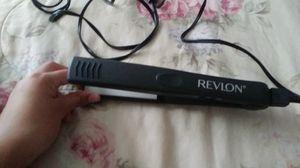 Revlon brand hair straightener for Sale in Fort Worth, TX