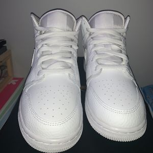 Triple White Jordan 1s GS 5.5y/7w for Sale in Germantown, MD