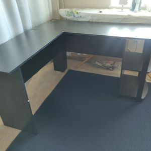 L shaped Desk Black Wood for Sale in West Sacramento, CA