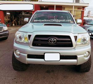 🎁📗$1400 One owner 2OO7 tacoma dual cab very clean🎁📗 for Sale in Fresno, CA