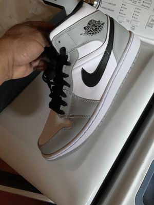 Air Jordan 1 size 10/10.5/11.5 for Sale in Los Angeles, CA