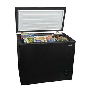 King artic chest freezer 🥶🥶🥶🥶 7.0cu for Sale in Las Vegas, NV