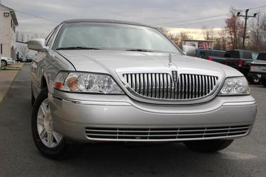 2010 Lincoln Town Car for Sale in Fredericksburg,  VA