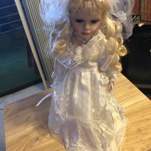 Dan Dee Porcelain Blonde Doll Collector's Choice With White Dress And Veil for Sale in Frostproof, FL