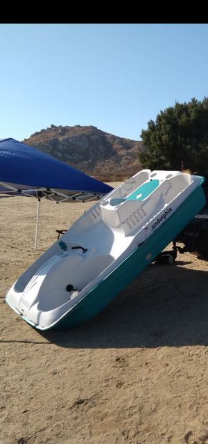 Sun dolphin with trolley motor and trailer for Sale in Moreno Valley, CA